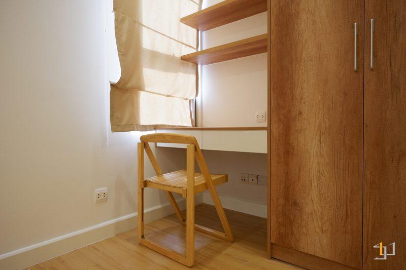 Bàn làm việc phòng ngủ nhỏ hoàn thiện