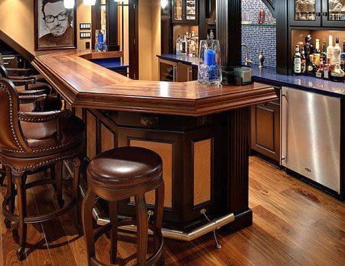 quầy bar khách sạn bằng gỗ