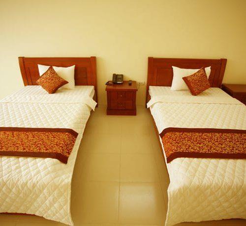 giường khách sạn giá rẻ