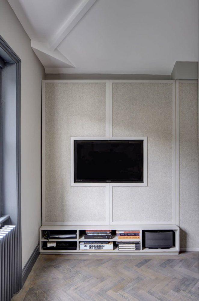 tủ tivi sáng tạo có cửa