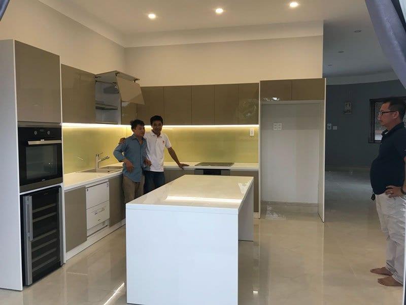 Tủ bếp Acrylic thi công tại Vĩnh Long