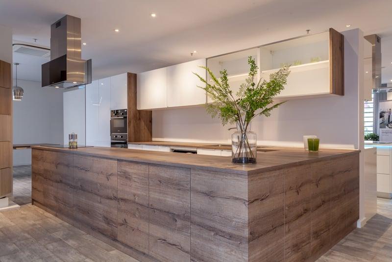 tủ bếp gỗ công nghiệp acrylic kết hợp melamine