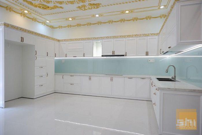 Mẫu tủ bếp tân cổ điển cho nhà phố, biệt thự sơn 2k