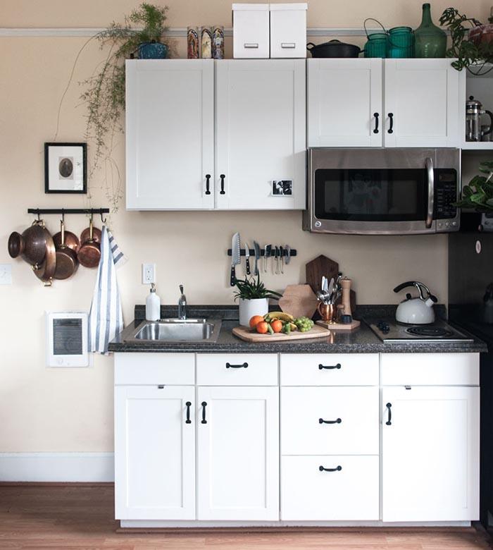 Tủ bếp gỗ đẹp mdf chống ẩm sơn 2k chữ i cho nhà nhỏ