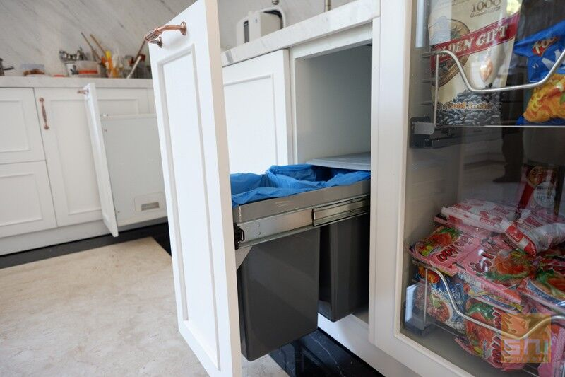 Thùng rác 2 ngăn cho tủ bếp