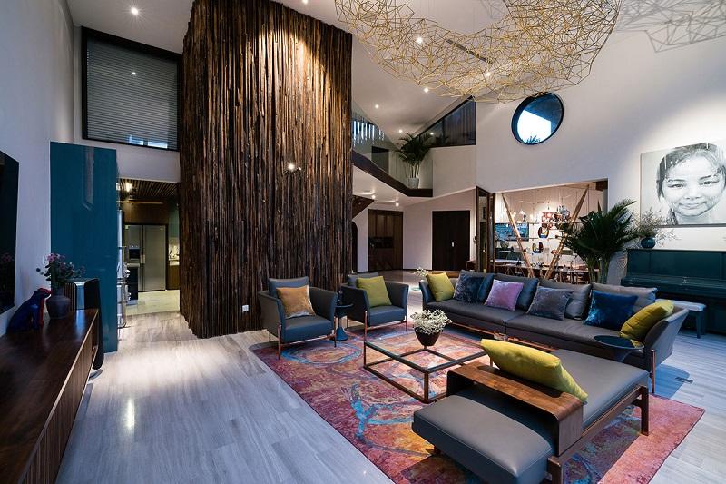 Phòng khách hơi hướng Indochine trong thiết kế nội thất biệt thự hiện đại
