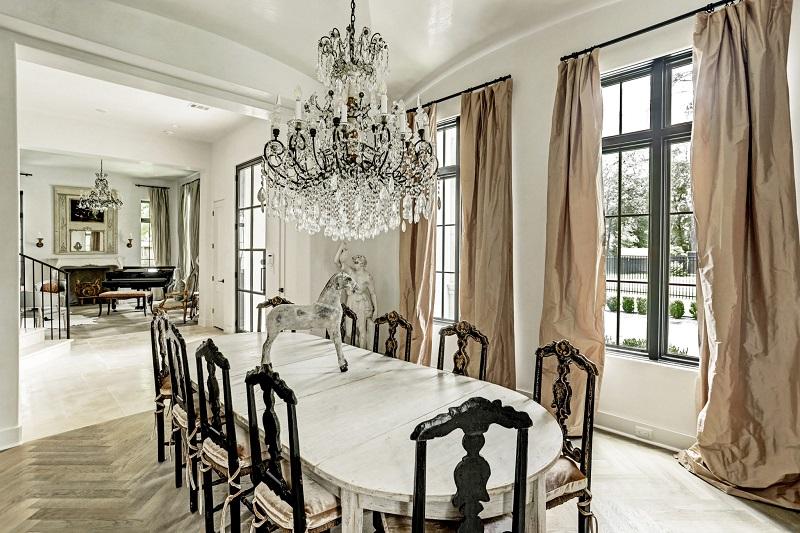 Không gian phòng ăn phong cách cổ điển