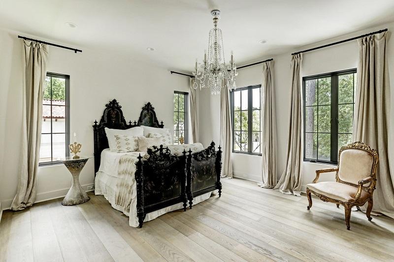 Phòng ngủ Master trong thiết kế nội thất biệt thự cổ điển