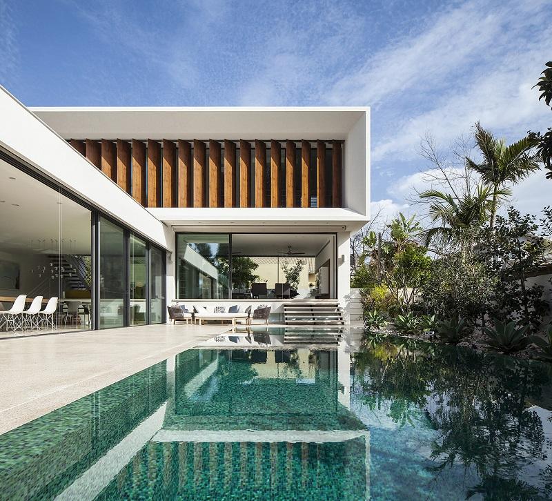 thiết kế nội thất biệt thự liền kề với hồ bơi dài