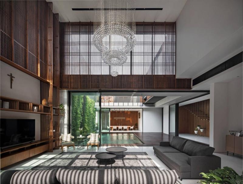 Không gian phòng khách biệt thự được hình thành từ lam gỗ