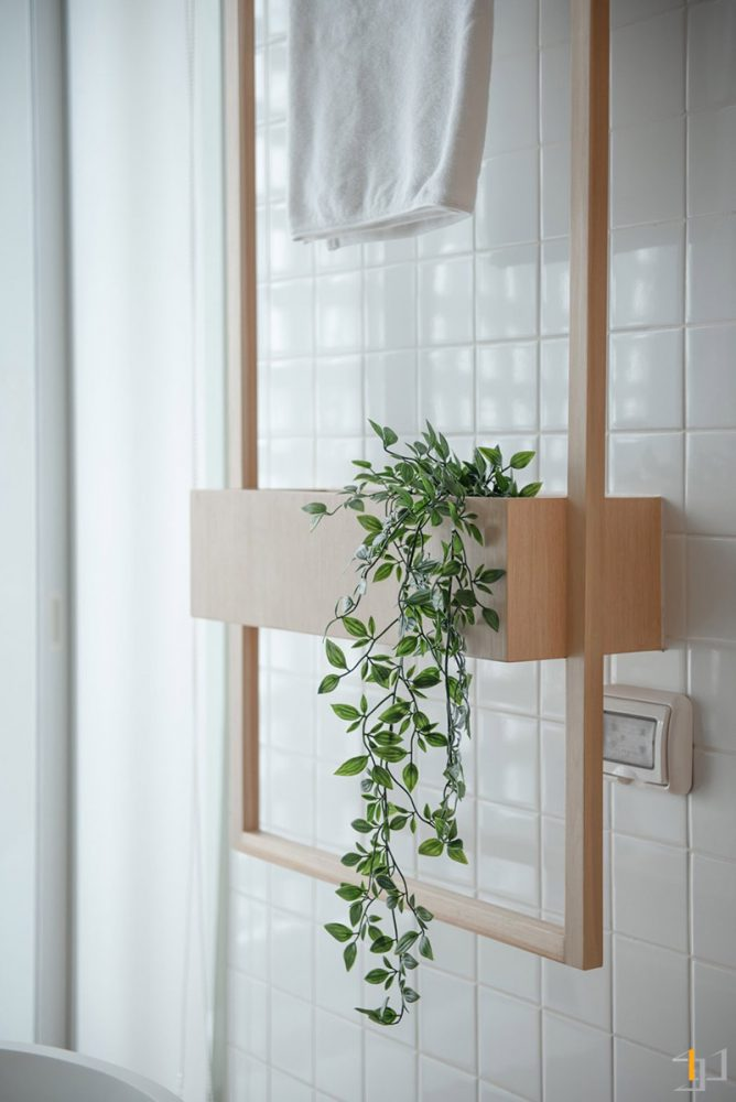 towel-rail-with-planter