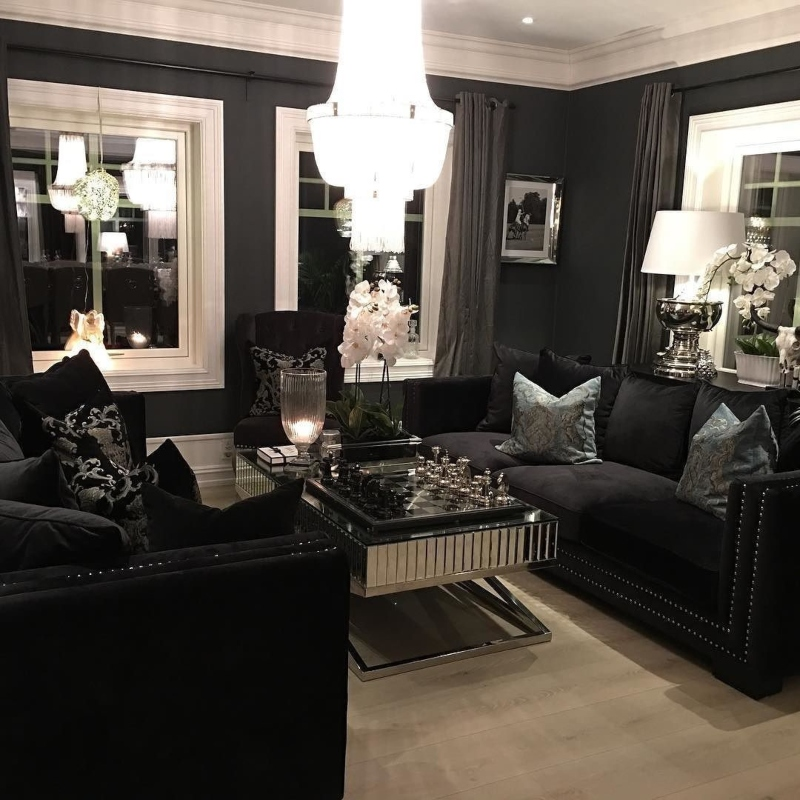 Thiết kế ghế nhung đen sang trọng cho phòng khách