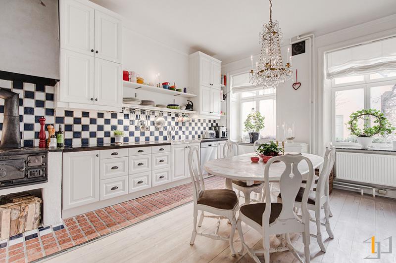 5-Classic-white-kitchen