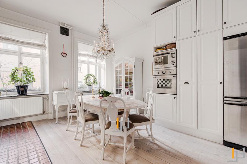 7-White-kitchen-diner
