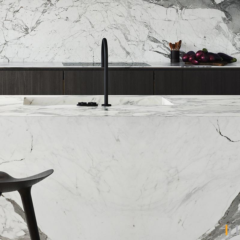 black-kitchen-tap-1