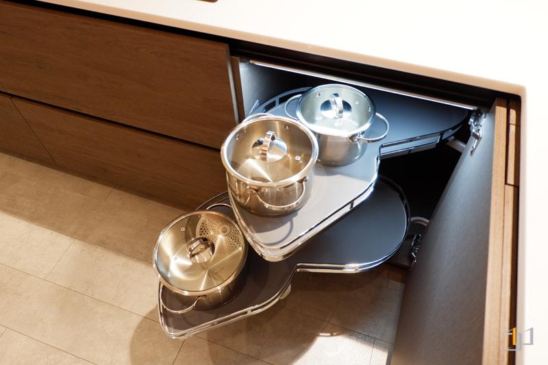 Mâm xoay – kệ góc liên hoàn tủ bếp