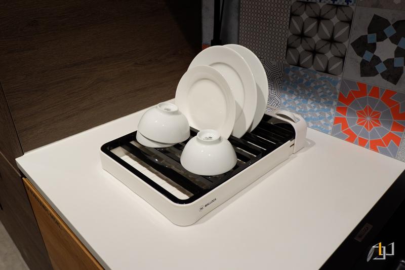 Khay úp chén đĩa thông minh tủ bếp