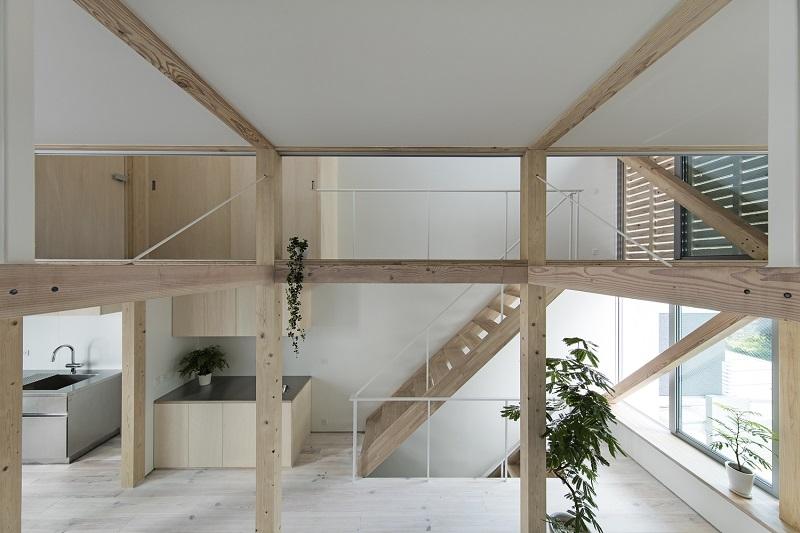 thiết kế nội thất nhà ống cầu thang