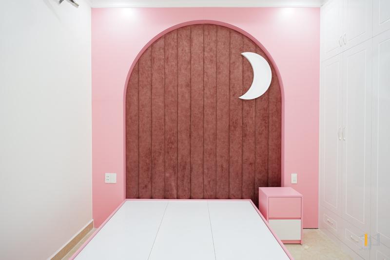 Thi công nội thất hoàn thiện giường và tab đầu giường