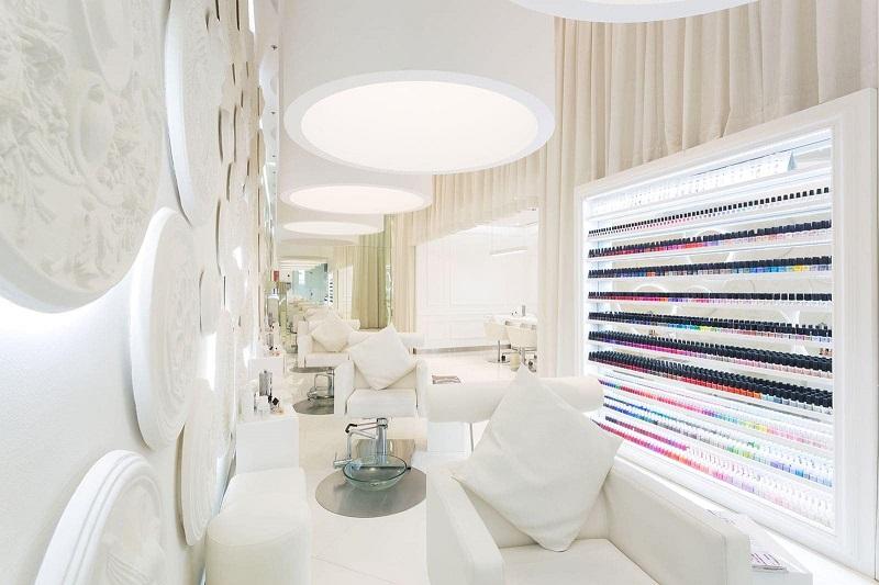Thiết kế nội thất tiệm nail thoải mái, tiện nghi