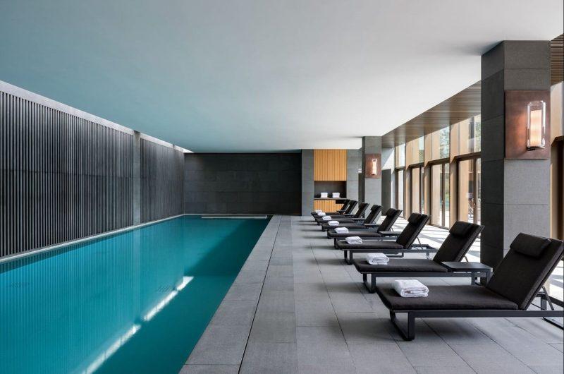 Thiết kế bể bơi trong nhà cao cấp