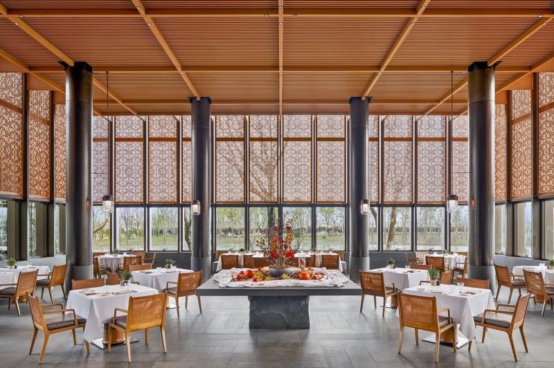 Thiết kế nội thất nhà hàng trong khu resort