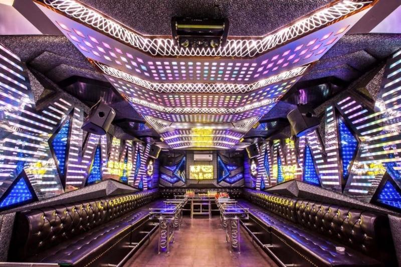 Bố trí nội thất quán karaoke đẹp mắt