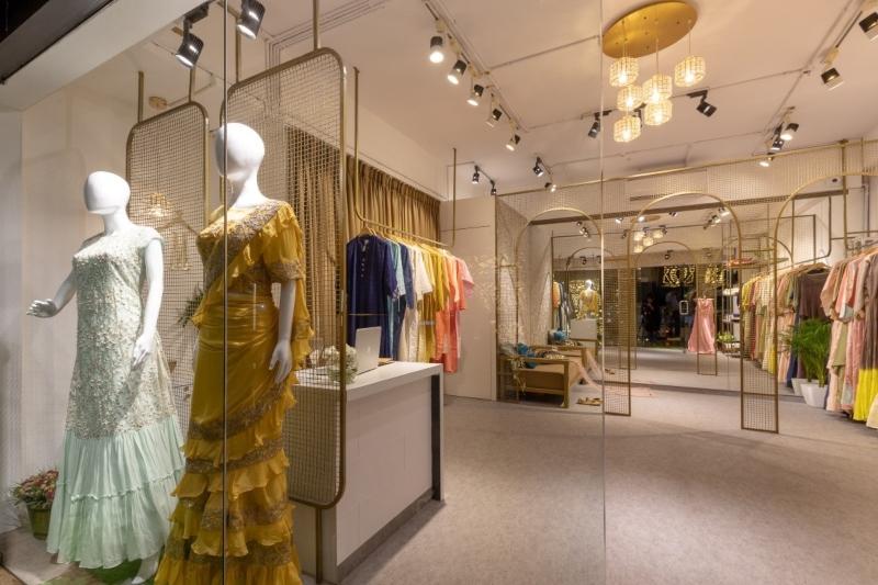 Thiết kế shop quần áo phong cách đương đại