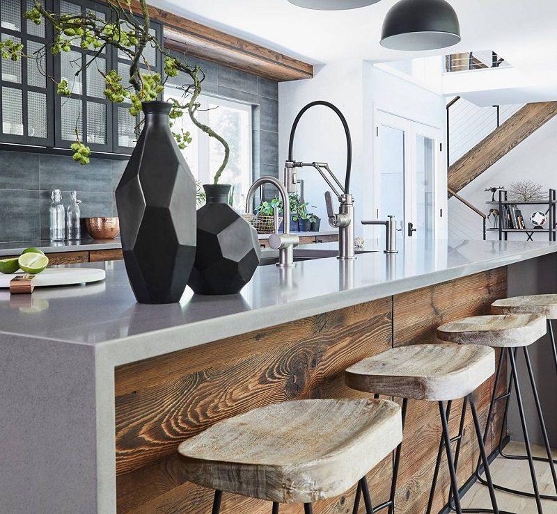 Trang trí không gian bếp với bảng màu tối
