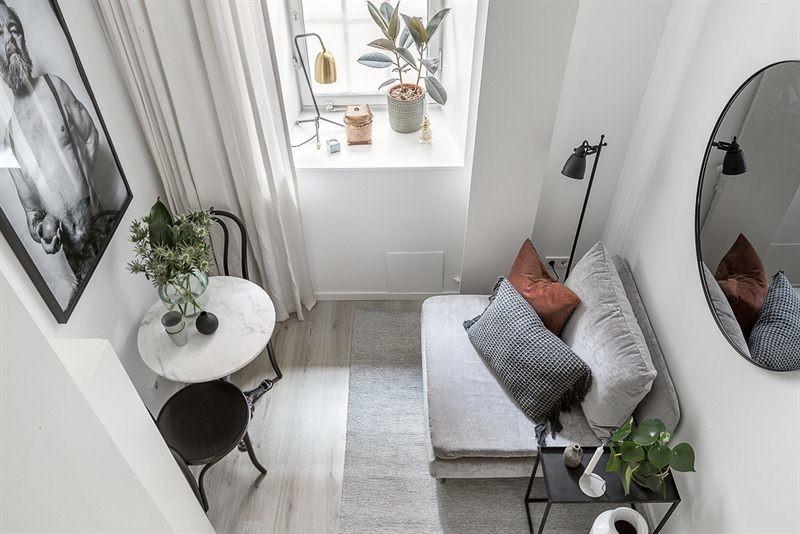 Gam màu tỉnh lặng trong mẫu thiết kế phòng khách nhỏ 10m2
