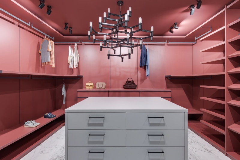 Màu sắc tông màu pastel hồng và xanh