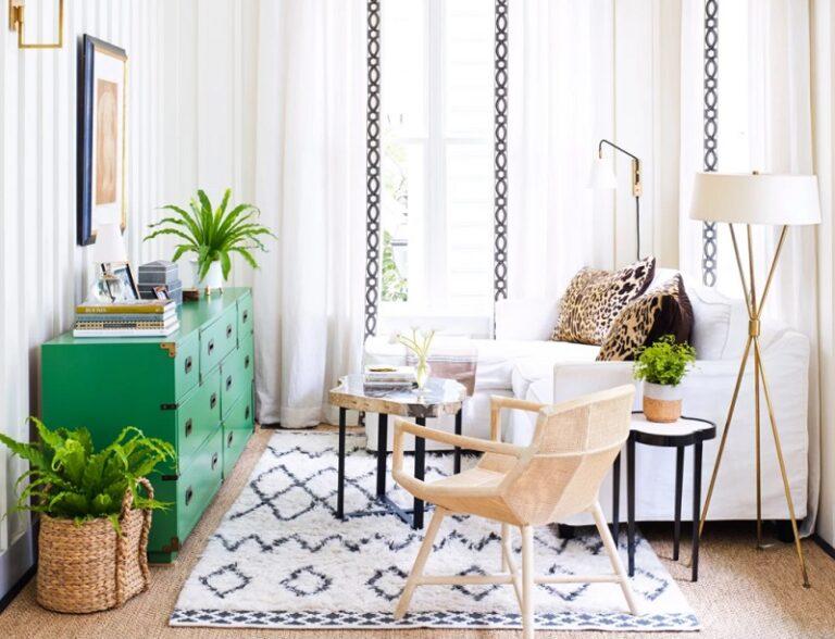Trang trí nội thất phòng khách nhỏ với cây xanh mát mắt