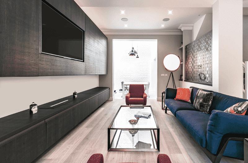 Mẫu phòng khách nhà ống đẹp nhờ cách sắp đặt nội thất thông minh