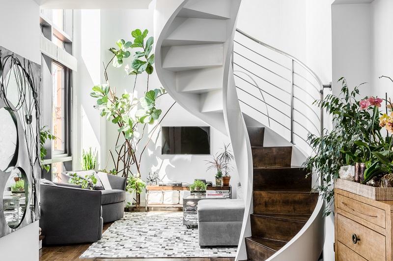 Mẫu thiết kế phòng khách nhà ống đẹp có cầu thang