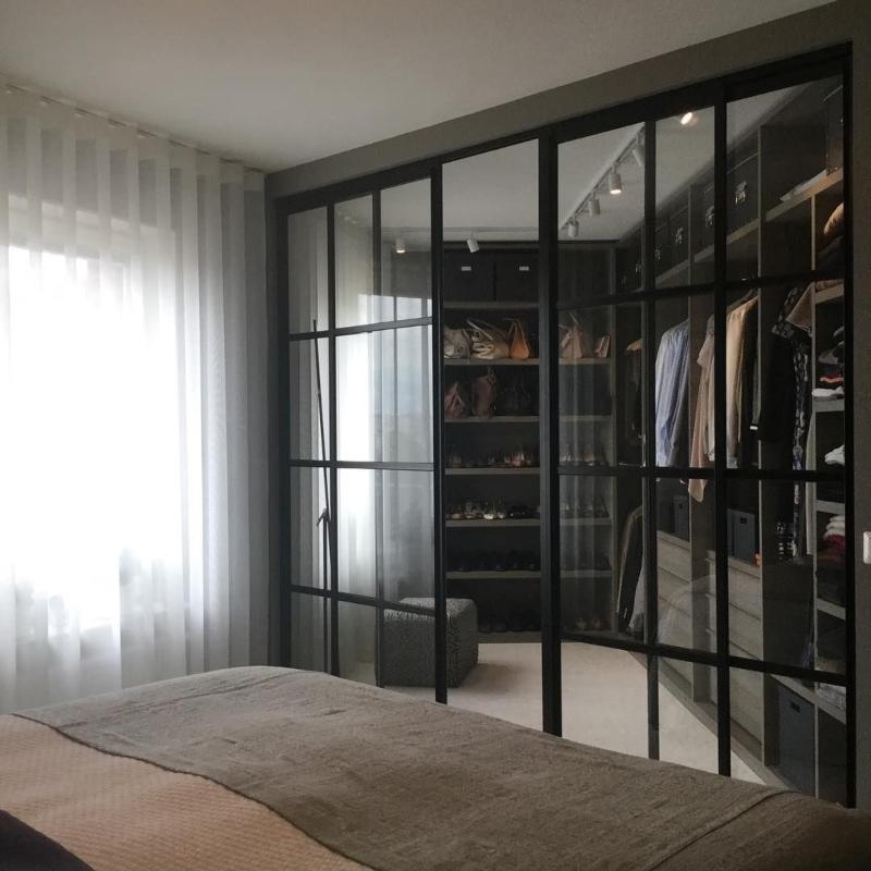 Phòng thay đồ được bố trí trong phòng ngủ