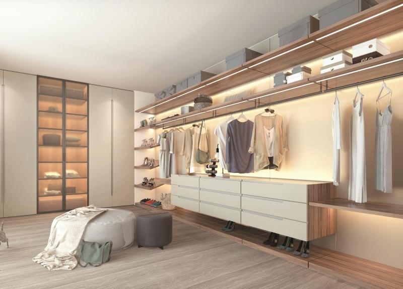 Phòng quần áo đơn giản với tông màu nhẹ nhàng