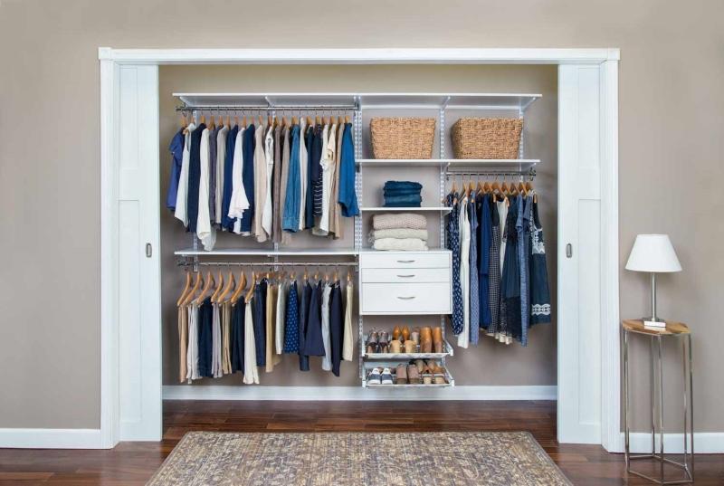 Tủ quần áo với thiết kế cửa lùa thông minh