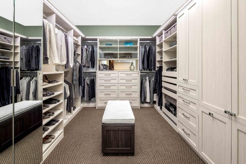 Phòng quần áo với sự bố trí công năng khoa học